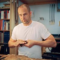 Duncan Emck, bow maker