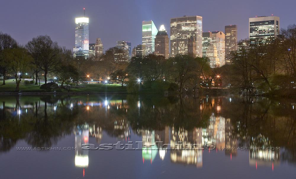 Reflection of Manhattan