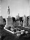 1959 - Liam Whelan's grave at Glasnevin, Dublin