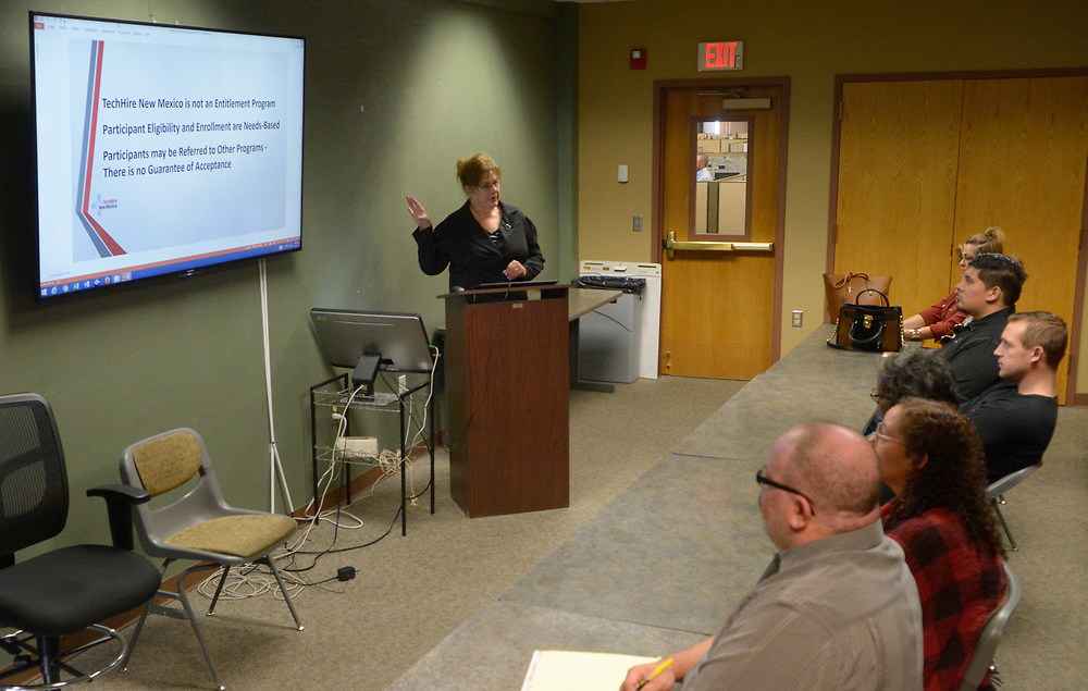 gbs041717b/BUSINESS -- Ronda Stanley, a Career Development Specialist  with TechHire New Mexico gives an orientation for prospective employees at the New Mexico Workforce Connection on Monday, April 17, 2017. (Greg Sorber/Albuquerque Journal)