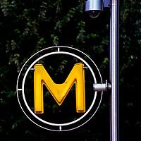 metro sign paris, ladefense