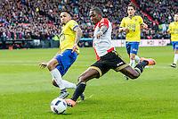 ROTTERDAM - Feyenoord - SC Cambuur , Voetbal , Seizoen 2015/2016 , Eredivisie , Feijenoord Stadion De Kuip , 06-03-2016 , Speler van Feyenoord Eljero Elia (r) in duel met   SC Cambuur speler Marvin Peersman (r)
