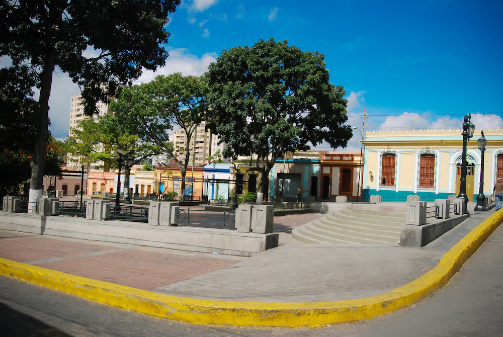 LA PLAZA DE LA PASTORA<br /> Caracas - Venezuela 2008<br /> Photography by Aaron Sosa<br /> <br /> La Plaza La Pastora tambi&eacute;n conocida como Plaza Jos&eacute; F&eacute;lix Ribas es un espacio p&uacute;blico de Caracas, Venezuela ubicado en el casco central de esa ciudad en la Parroquia La Pastora del Municipio Libertador..Se presume que la plaza se levant&oacute; en 1769, aunque aparece formalmente en documentos en 1804, siendo una de las plazas m&aacute;s antiguas de la ciudad de Caracas. El 3 de junio de 1911 se inaugur&oacute; en la parte sur de la plaza un busto de Jos&eacute; F&eacute;lix Ribas.