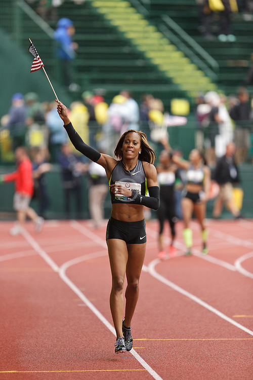 Olympic Trials Eugene 2012: women's 200 meters, victory lap, Olympians, Sanya Richards-Ross