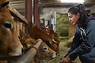27/10/15 - LES ESTABLES - HAUTE LOIRE - FRANCE - Flavie BONNEFOY, jeune eleveuse de Fin Gras du Mezenc - Photo Jerome CHABANNE