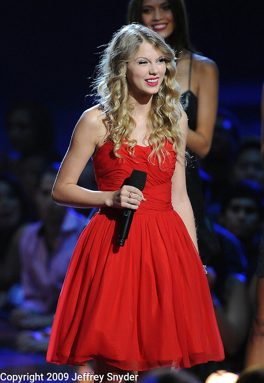 New York, NY-September 13, 2009: Taylor Swift performs during the MTV Video Music Awards at Radio City Music Hall on September 13, 2009 in New York City (Photo by Jeff Snyder/PictureGroup)
