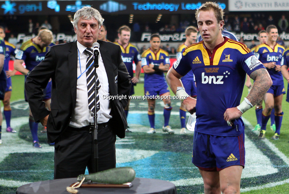 Graham Mourie pays tribute to Jimmy Cowan's 100th match for the Highlanders.<br /> Investec Super Rugby - Highlanders v Stormers, 7 April 2012, Forsyth Barr Stadium, Dunedin, New Zealand.<br /> Photo: Rob Jefferies / photosport.co.nz