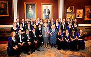 AMSTERDAM - Prinses Beatrix, met rechts oprichtster Joy Bryer en directeur Marshall Marcus van het EUYO, gaat op de foto met de leden van het European Union Youth Orchestra (EUYO). De prinses woonde in het het Concertgebouw een concert van het Europees Jeugdorkest bij. COPYRIGHT ROBIN UTRECHT