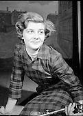 1960 - Aideen Kinlen, Actress.     B287.