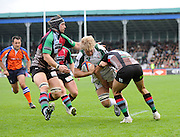 Twickenham, GREAT BRITAIN, Exile Richard THORPE, goes between left, Phil DAVIES and Right, Seb STEGMANN to score a late first half try for London Irish,  during the EDF Energy Cup rugby match,  Harlequins vs London Irish, at Twickenham Stoop, Surrey on Sat 25.10.2008 [Photo, Peter Spurrier/Intersport-images]