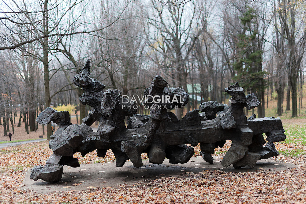 Sculpture La Force, Armand Vaillancourt, Art Public, Parc du Mont-Royal, Montréal, Québec Canada