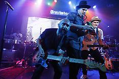 Ozomatli Performs at The Troubadour