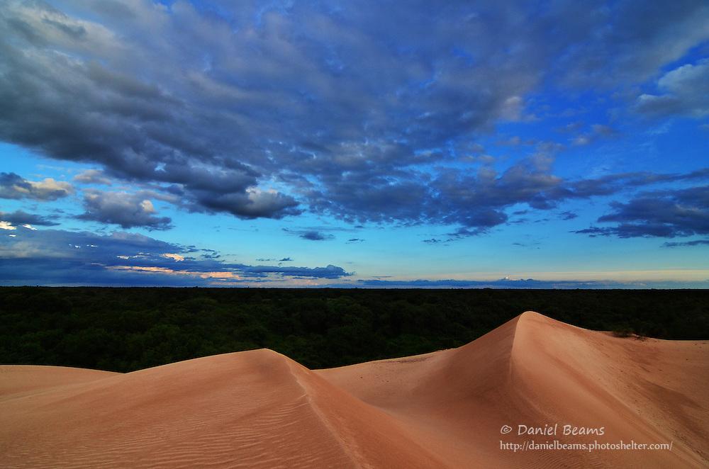 Sand dunes in Isosog