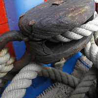 WINCH, PULLEY, DECK, TECK : THE ART OF CLASSIC YACHTS- VOILIERS CLASSIQUE : DETAILS