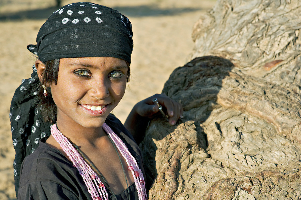 Young girl from the Bhopa community, traditional wandering musicians living the live of nomades. Nowadays, with television taking over much entertainment, many families lead a settled life.