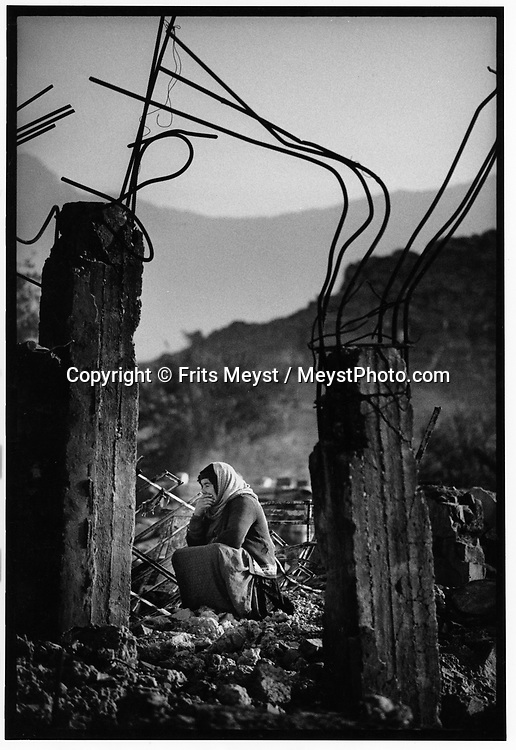 SAID SADIQ, KURDISTAN, IRAQ, 15.11.91. Kurdish refugees return from turkey to the designated UN Save Haven in Northern Iraq. They arrive in their hometown to find their homes destroyed by the Iraqi Army. ©Photo by Frits Meyst/NewsImages