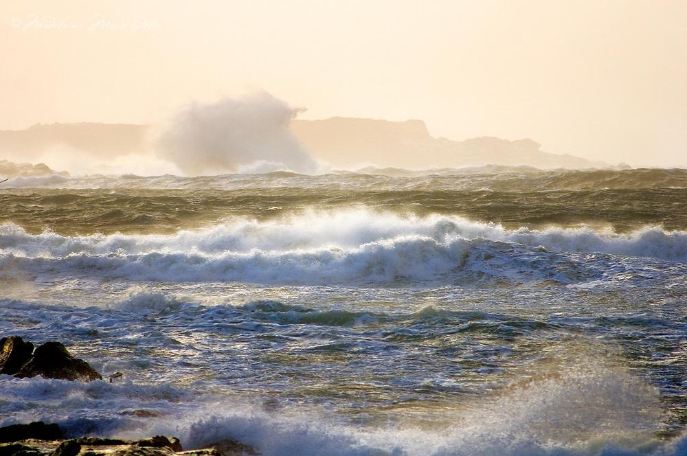 Stormy Sea, Ireland / ws039