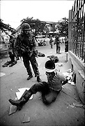 TIMOR ORIENTAL (21/09/1999) / DILI<br /> East Timor<br /> Australian troops disarm and arrest members of the pro-autonomy Aitarak (Thorn) Militia Dili<br /> (Tues, 21 September 1999)<br /> &copy;David Dare Parker/AsiaWorks Photography
