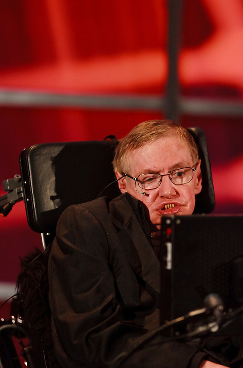 Waterloo, Ontario ---10-06-20--- Renowned physicist Stephen Hawking speaks at a lecture at the Perimeter Institute for Theoretical Physics in Waterloo, Ontario, Canada, June 20, 2010 where he has recently taken the position as the institute's Distinguished Research Chair.<br /> GEOFF ROBINS AFP