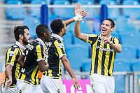 ARNHEM - Vitesse - FC Groningen , Voetbal , Eredivisie, Seizoen 2015/2016 , Gelredome , 03-10-2015 , Vitesse speler Kevin Diks (r) viert zijn doelpunt voor de 2-0
