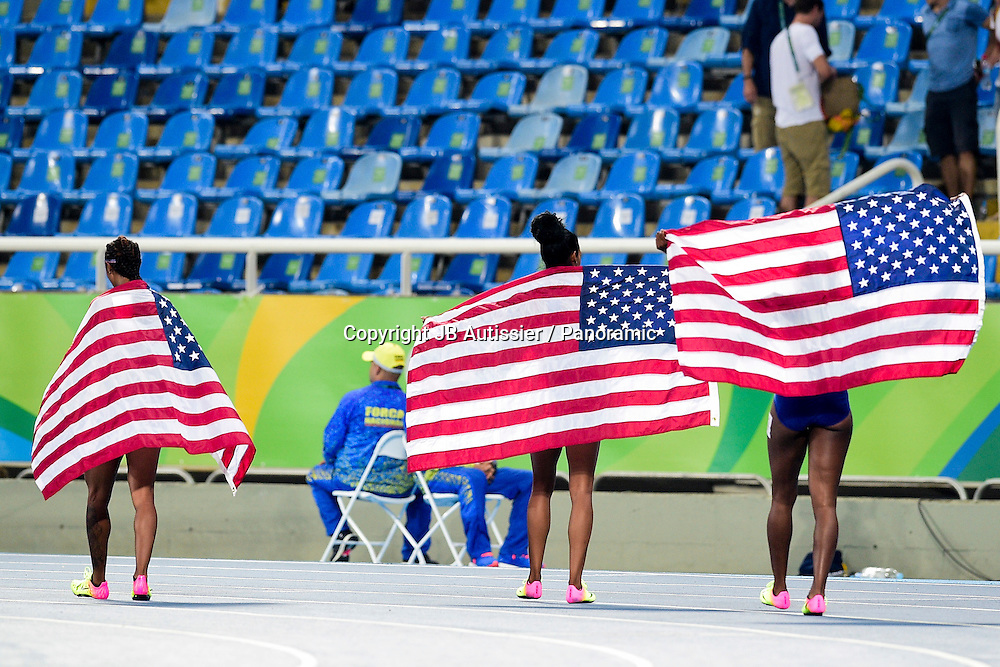 joie des coureuses americaines - finale 100m haies<br /> ROLLINS Brianna (usa) / ALI Nia / CASTLIN Kristi