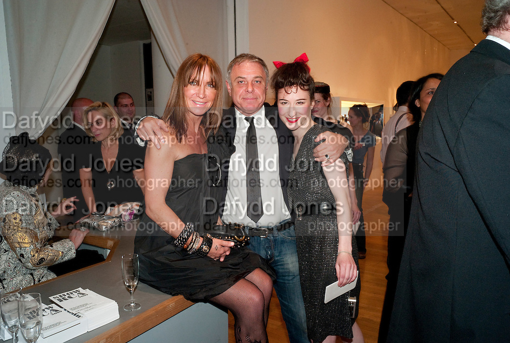 MEG MATTHEWS; PROF. PETER SIDELL; BRONWEN MARSHALL, The Royal College of Art Fashion Gala. Kensington Gore. London. 11 June 2009.