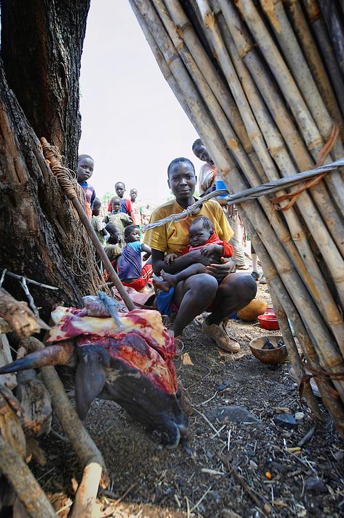 Dago, Dago, Gublak, Ethiopia Gumuz, Gilgel, Blese, valley, Africa, Ethiopia, Sudan border,child, children, mother, market Beles