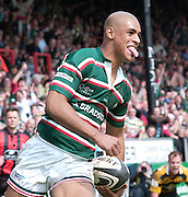 Leicester, ENGLAND, Tiger's,  Tom Vandell, run's in for his second try, during the Guinness Premiership Rugby match,  Leicester Tigers vs London Wasps at Welford Road. © Peter Spurrier/Intersport-images.com.