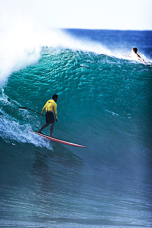 surfing Hawaii pipe-line,SUP