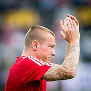 EINDHOVEN - Feyenoord - Southampton FC , Voetbal , Voorbereiding , Oefenwedstrijd , Seizoen 2015/2016 , Stadion de Kuip , 23-07-2015 , Southampton speler Jordy Clasie neemt emotioneel afscheid