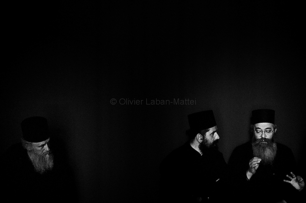 Greek orthodox priests in Paris, April 2009