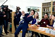 15-3-2017 - DEN HAAG - Jesse Klaver groenlink samen met zijn vrouw Jolein Klaver  gaan stemmen bij boekhandel Paagman. Verkiezingen ,  COPYRIGHT ROBIN UTRECHT<br /> <br /> 15-3-2017 - THE HAGUE - Jesse Klaver groenlinks go along with his wife Jolein Clover voting Paagman bookstore. Elections, COPYRIGHT ROBIN UTRECHT