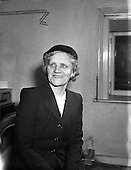 1958 Miss Gertrude Lea, Empire News Prizewinner