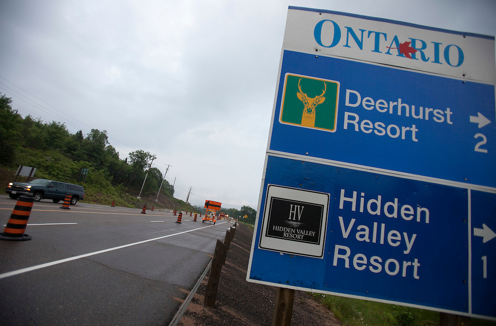 A security check point has been setup several kilometres outside the Deerhurst Resort in Huntsville, Ontario, Canada where the G8 leaders will meet this weekend. Canada has spent approximately $1 billion on security for the G8 and G20 summits.<br /> AFP/GEOFF ROBINS/STR