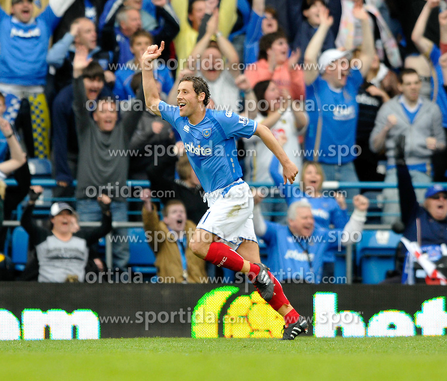 01.05.2010, Fratton Park, Protsmouth, ENG, PL, Portsmouth vs Wolverhampton im Bild Michael Brown of Portsmouth celebrates scoreing, EXPA Pictures © 2010, PhotoCredit EXPA/ Sean Ryan / SPORTIDA PHOTO AGENCY