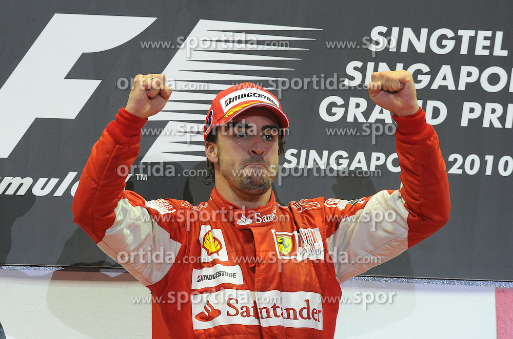 26.09.2010, Marina Bay Street Circuit, Singapur, SIN, Formula One Championship, Grand Prix Singapur, im Bild Scuderia Ferrari, EXPA Pictures © 2010, PhotoCredit: EXPA/ InsideFoto/ Hasan BRATIC *** ATTENTION *** FOR AUSTRIA AND SLOVENIA USE ONLY!