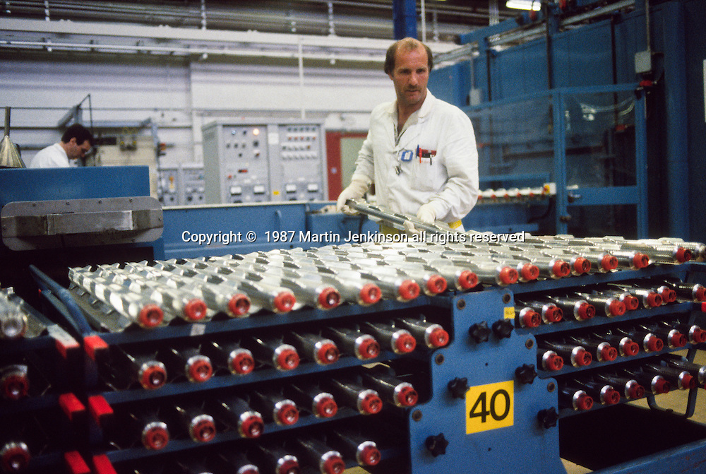 Magnox fuel rod production.  BNFL Springfields site. 26-06-1987