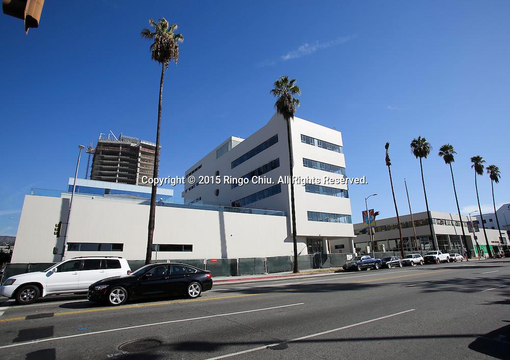 David Simon, an executive at Kilroy, and a creative office that Kilroy has developed in Hollywood.<br /> (Photo by Ringo Chiu/PHOTOFORMULA.com)