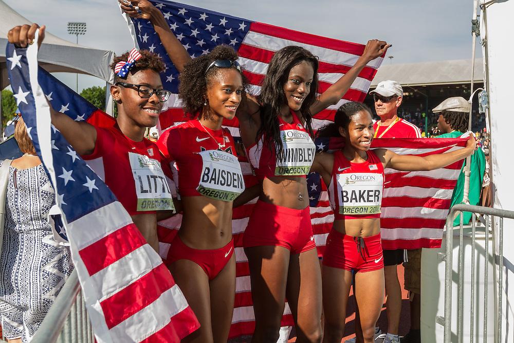 women's USA winning 4x400 meter relay team