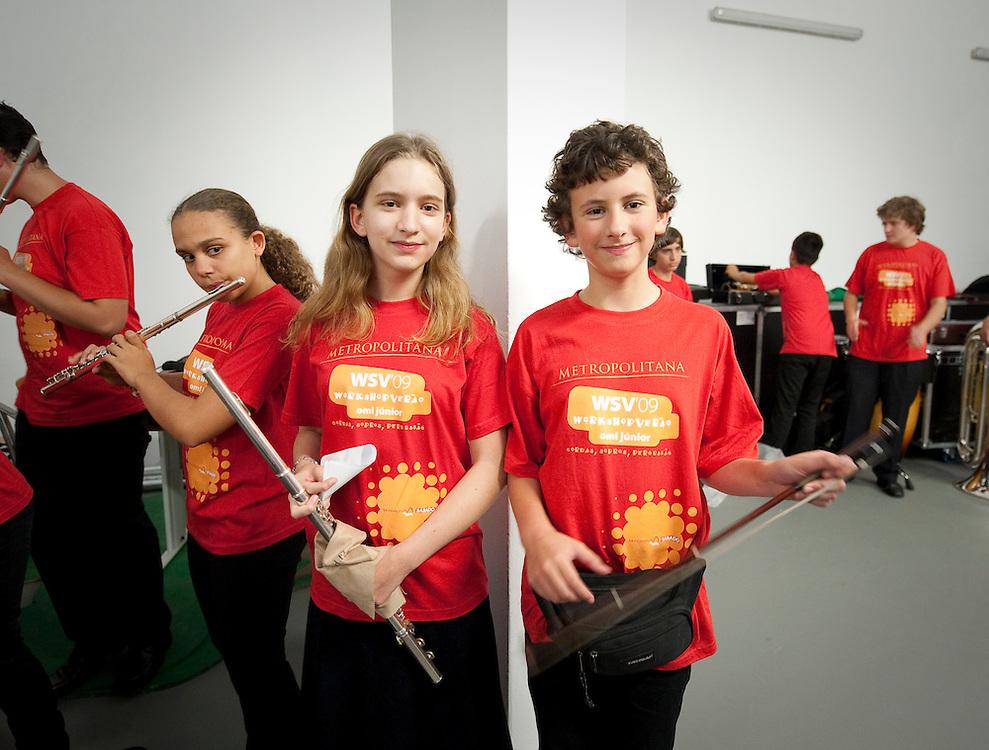 Summer workshop for young musitians, held by the Lisbon Metropolitan orchestra. Workshop de verão da OML para jovens músicos. Montalegre, 2009