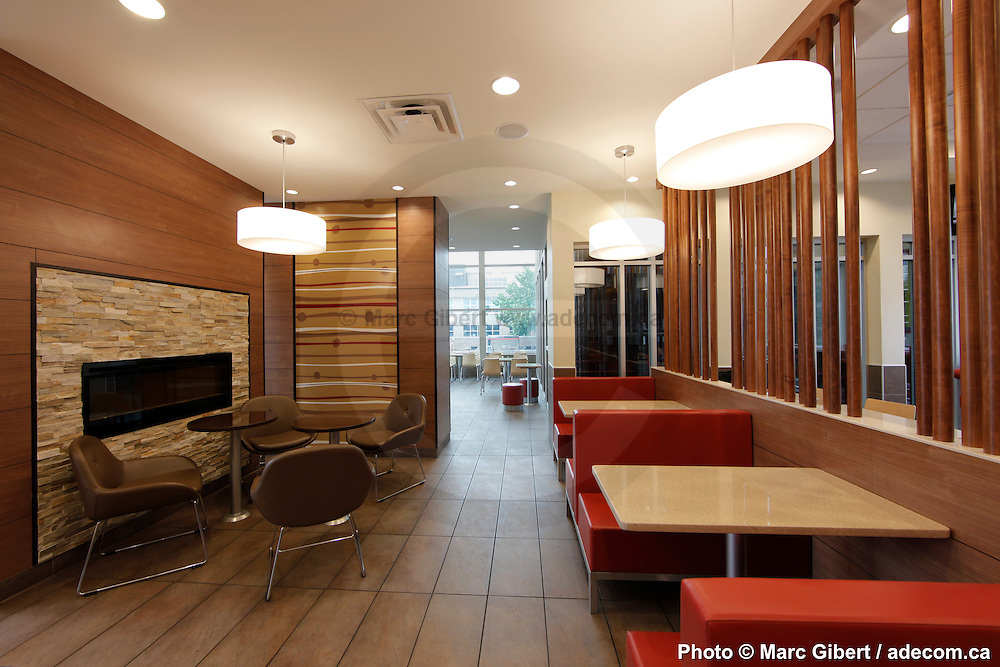 interior and exterior achitectural photographies of mcdonald 39 s restaurants new desing. Black Bedroom Furniture Sets. Home Design Ideas