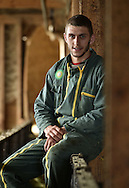 26/10/15 - SAUGUES - HAUTE LOIRE - FRANCE - Baptiste GIRES, salarie agricole dans un elevage de brebis laitieres Lacaune, GAEC du Blancou - Photo Jerome CHABANNE