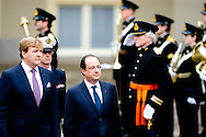 20-1-2013 - THE HAGUE - The visit Of France President Francois Hollande to King Willem Alexander and Queen Maxima at the Noordeinde Palace. The French President Francois Hollande will visit the Netherlands 1 day. COPYRIGHT ROBIN UTRECHT