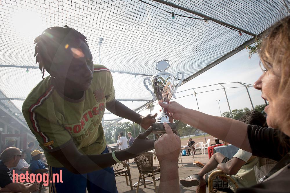 nederland, enschede, 18juni2013 Op dinsdag 18 juni vond wederom het jaarlijks softbaltoernooi Maatschappelijke Opvang plaats georganiseerd door Humanitas Onder Dak (HOD) op het terrein bij de Tex Town Tigers (TTT) in Enschede. Aan het toernooi nemen diverse teams deel uit de regio Twente. Ter voorbereiding waren er in de weken voorafgaand aan het toernooi trainingen voor alle deelnemende teams. De trainingen staan onder leiding van TTT.