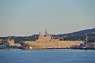 20/06/15 - TOULON - VAR - FRANCE - La Rade de Toulon et son port militaire. Porte helicopteres Tonnerre - Photo Jerome CHABANNE