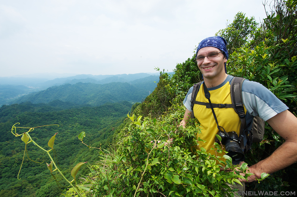 Stu admires the view from Zhongyang Shan (???) near Pinxxi, Taiwan.