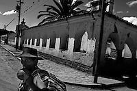 Sucre - un piccolo centro agricolo con i resti di una chiesa costruita nel 1600 d.C