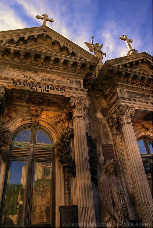 Mausoleum, El Cementerio de La Recoleta