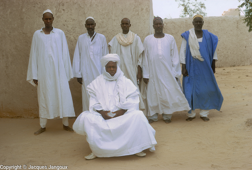 Africa, Sahel region, Chad, Kanem: Alifa Ali Zezerti, Alifa of Kanem (referred to as Sultan), with dignitaries, in 1972.