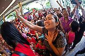 Yingluck Shinawatra Wins Thai Premiership